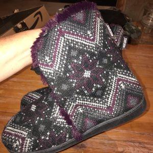 Muk Luks Shoes - Muk Luks slipper booties size Large 9/10